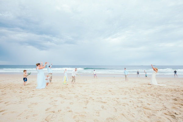 Heidi and Justin married in Wollongong on NSW south coast - wedding photography by photographer pete